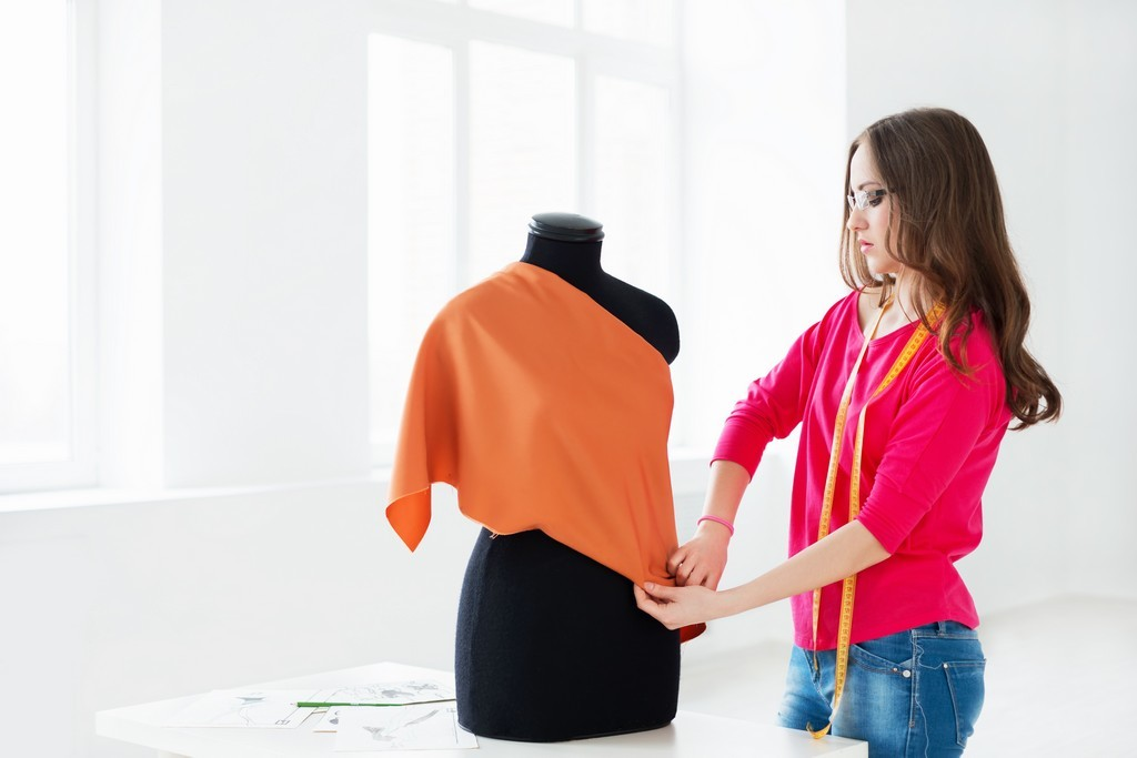 Job opportunities for fashion designing we love fashion for Work from home fashion design jobs